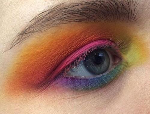 Deze lente: fel gekleurde oogschaduw!