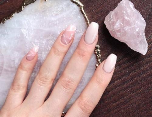 Rozenkwarts nails; de nageltrend voor deze zomer?