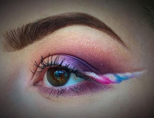 Unicorn Eyeliner voor een magische make-up look!