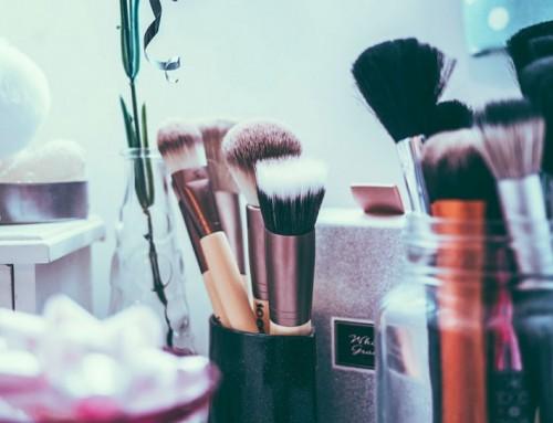 Stop met het verstoppen achter make-up!